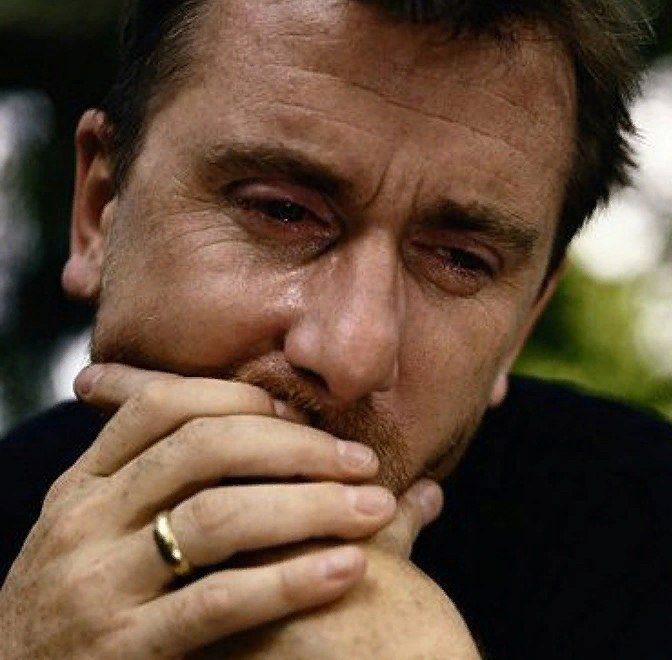 Мужские слёзы. Должен ли мужчина плакать?